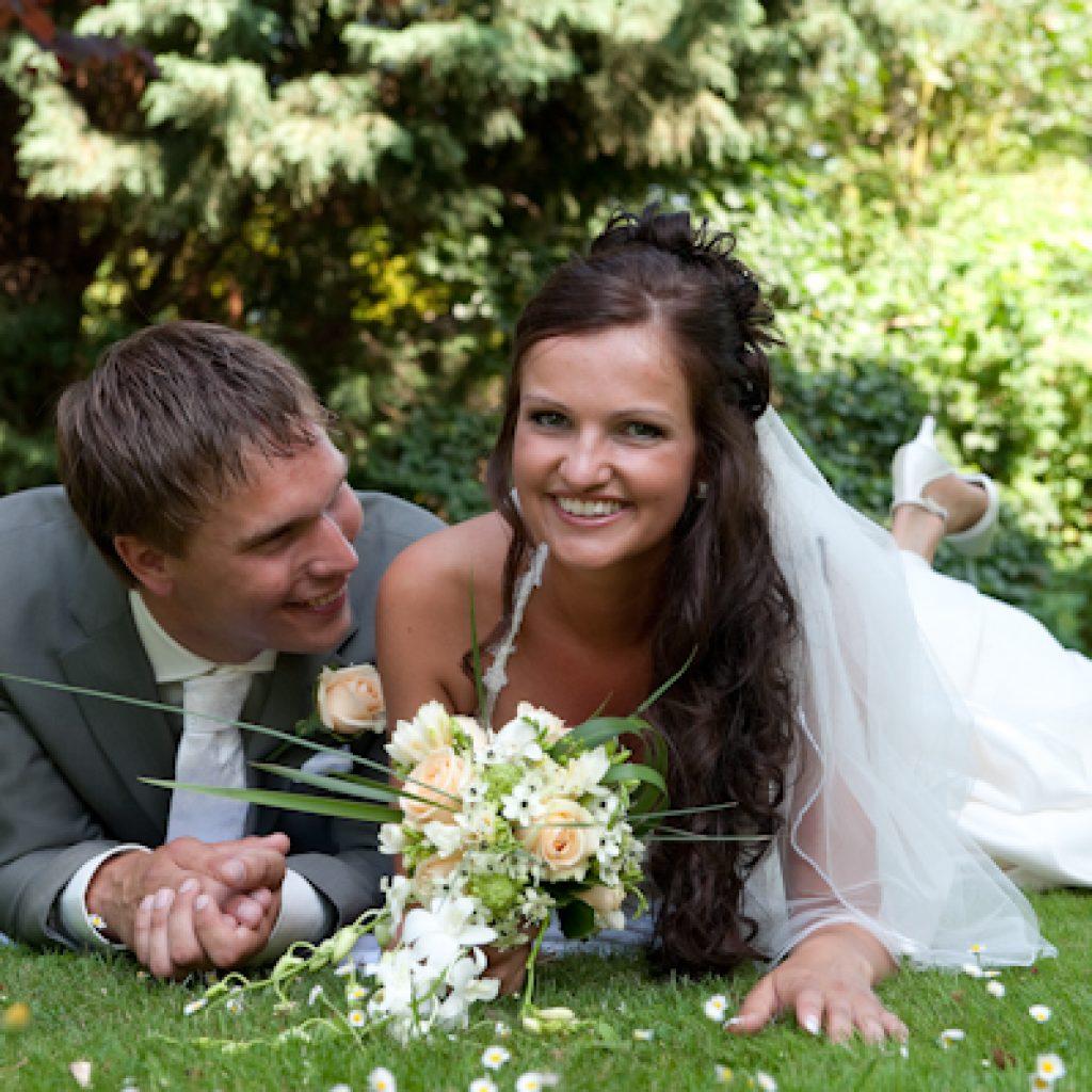 Bruidskapsel half opgestoken (5)