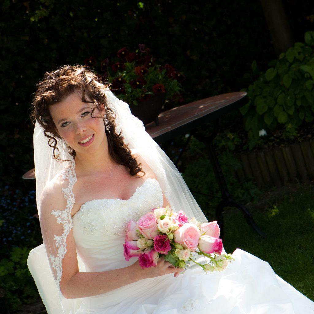 Bruidskapsel half opgestoken (6)