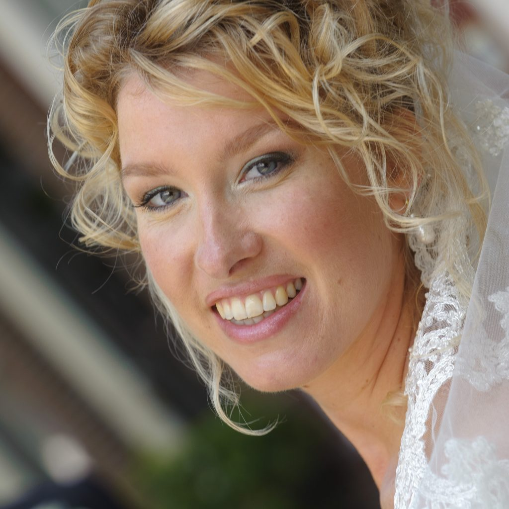 bruidskapsel nochalant opgestoken (3)