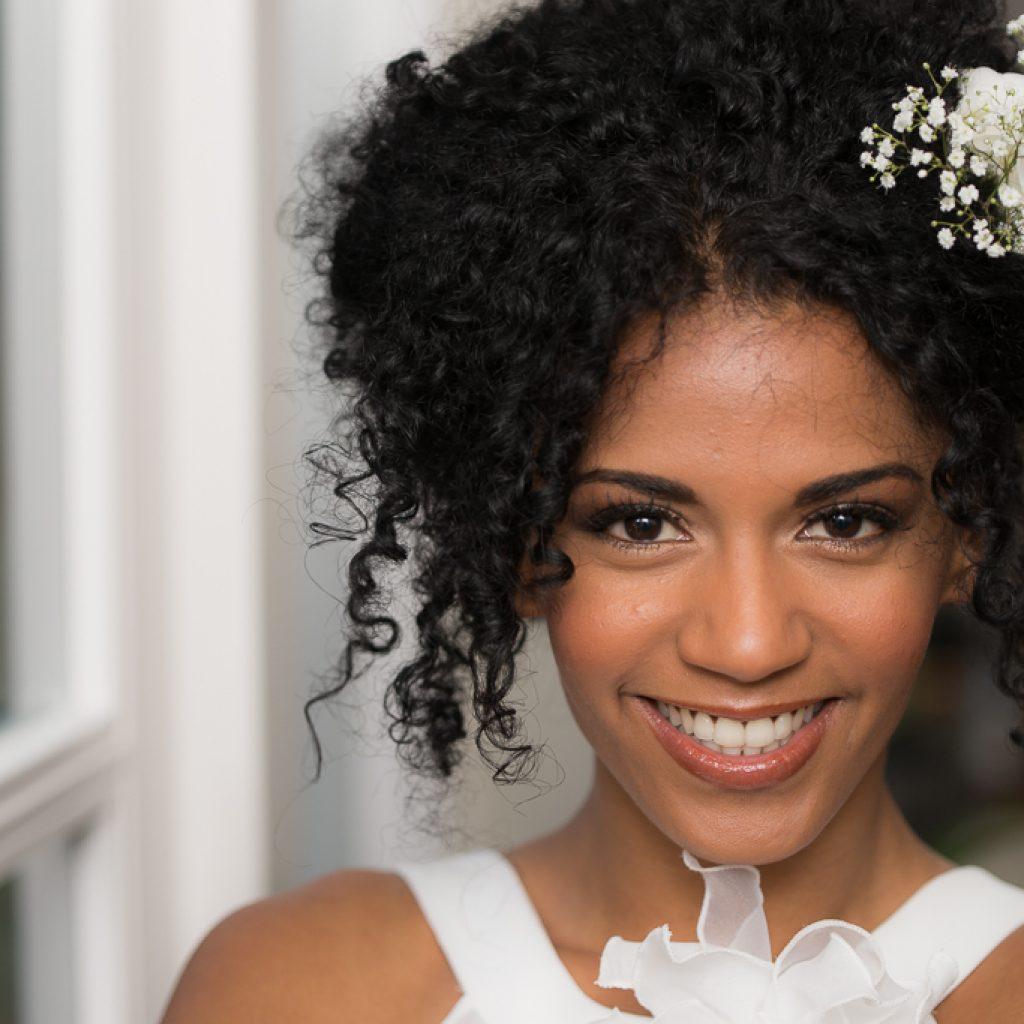 POPpictures- bruidskapsel met verse bloemen