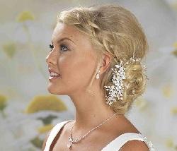 lp675-diamante-pearl-hair-vine-on-comb op model - kopie