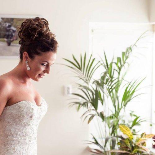hoog-opgestoken-bruidskapsel