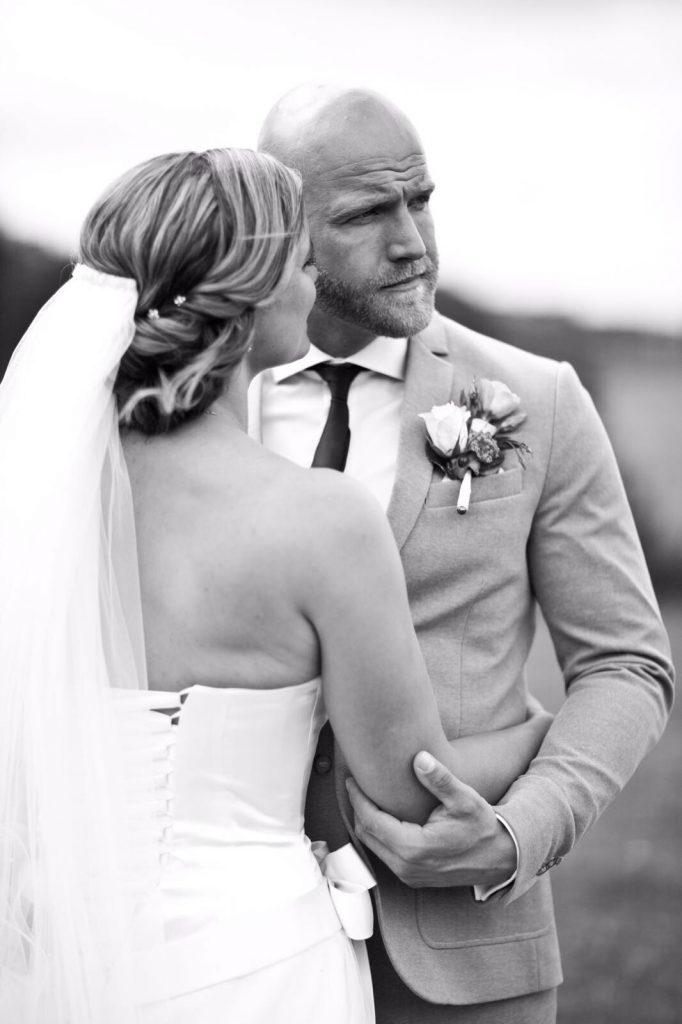 anniek-bruidskapsel-laag-opgestoken