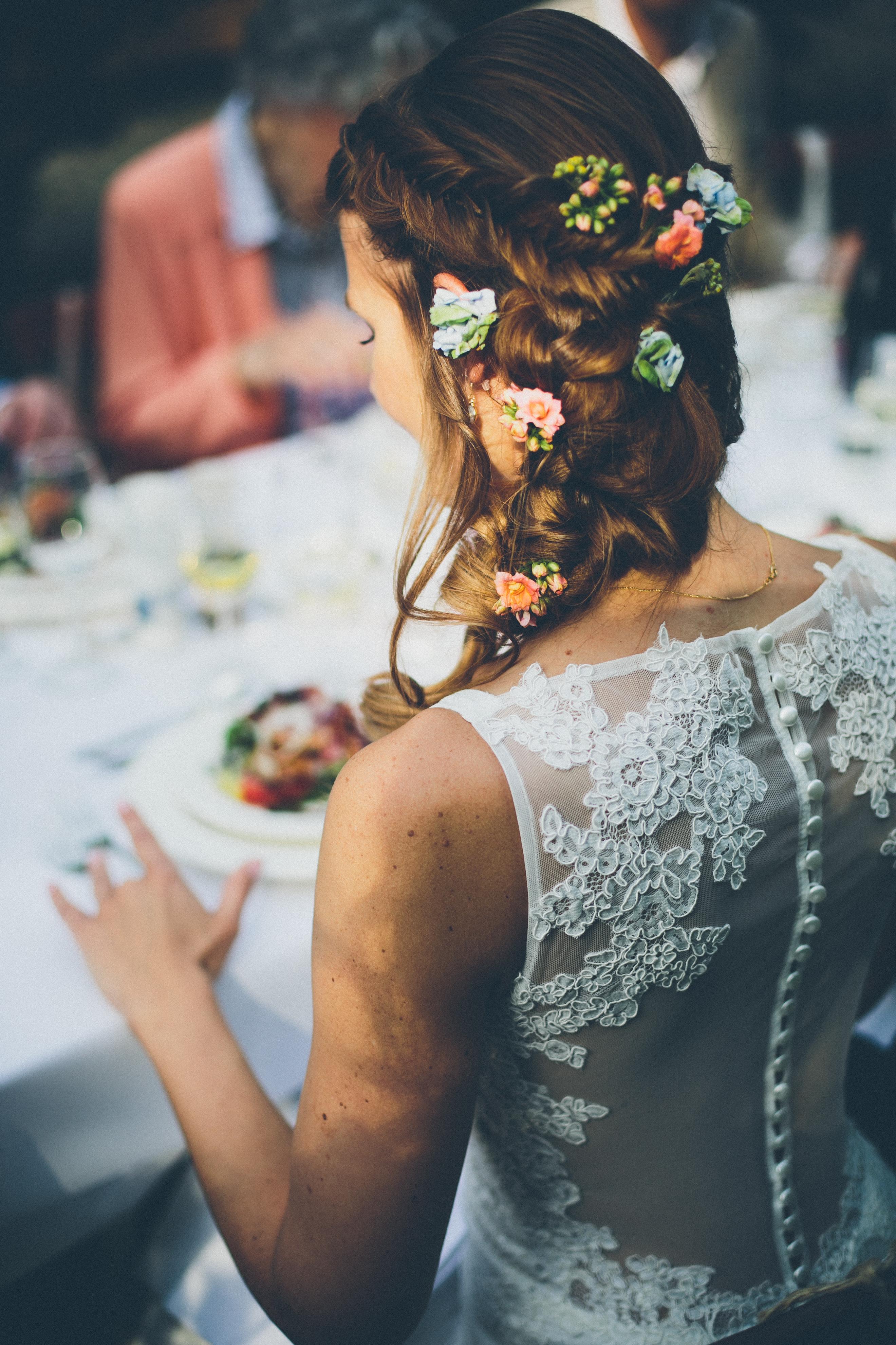 prachtige kanten rug bij deze trouwjurk